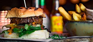 37_De-Beyond-Cheese-Burger-bij-de-Zwarte-Ruiter-in-Den-Haag